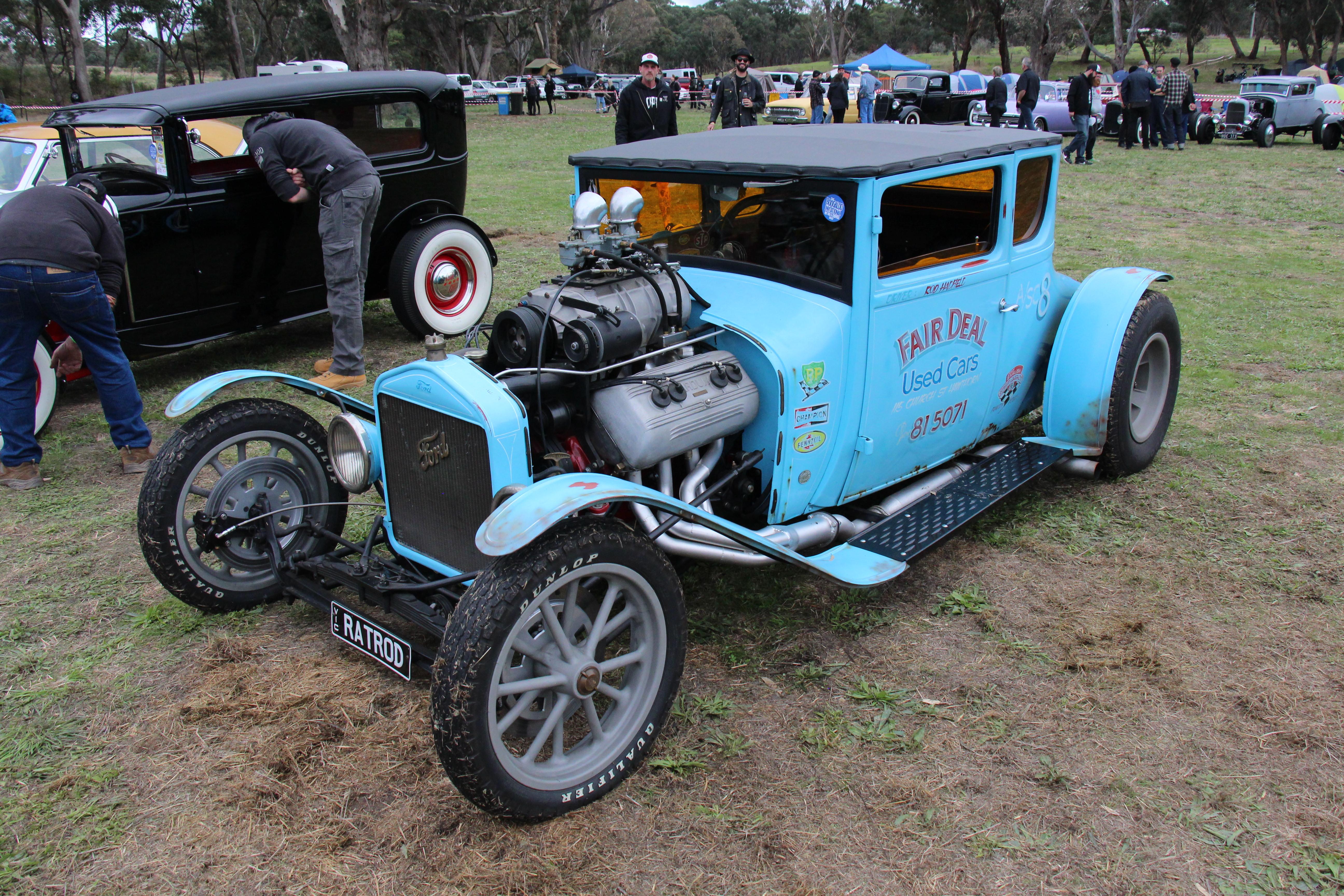 File:1927 Ford Model T Coupe Hotrod (33963608310).jpg - Wikimedia ...