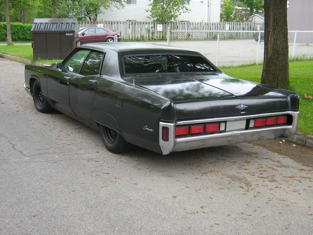 1970_Lincoln_Continental,_June_2011_-_Fl