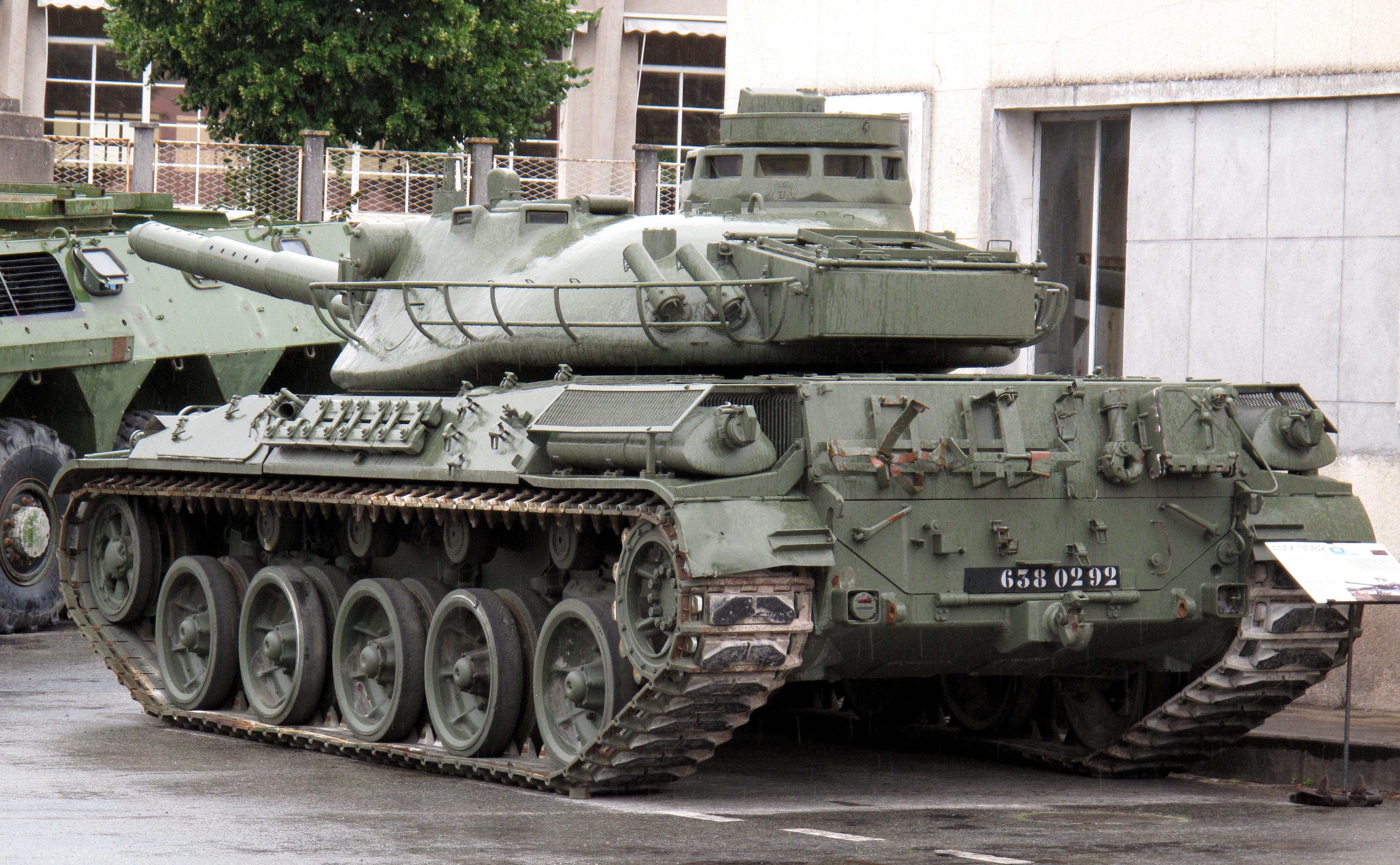 AMX-30B2_img_2368.jpg