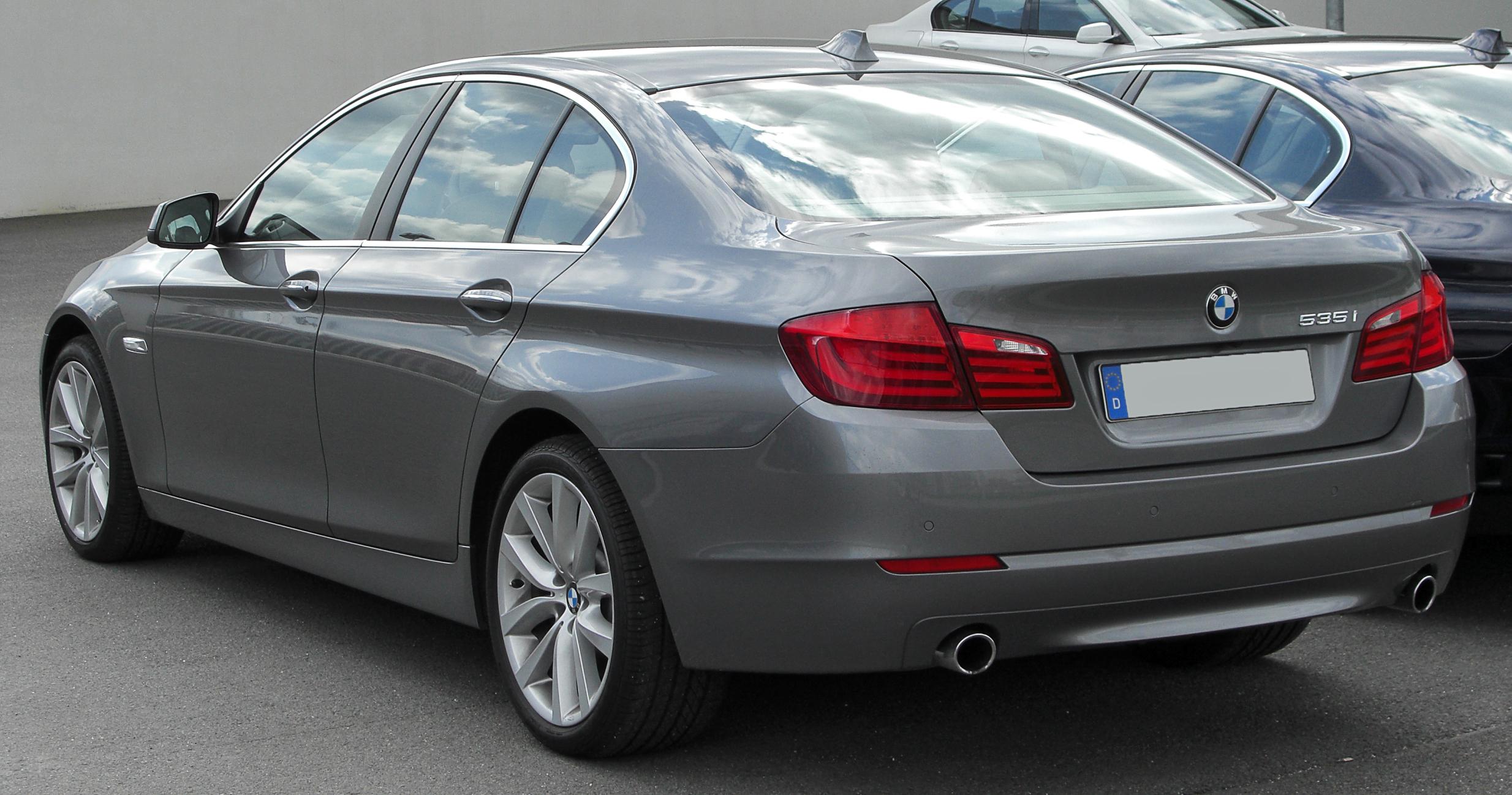 File:BMW 535i (F10) rear 20100410 jpg - Wikimedia Commons