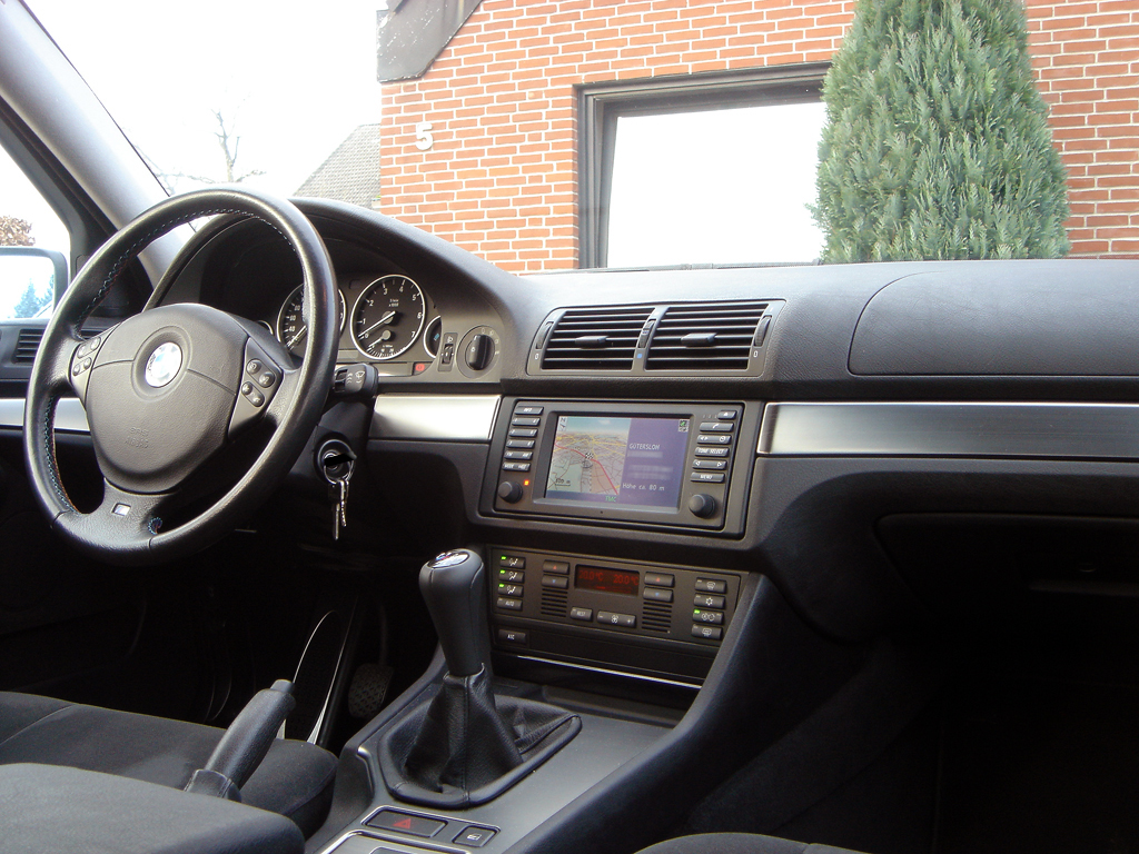 File bmw e39 interieur wikimedia commons for Interieur sport