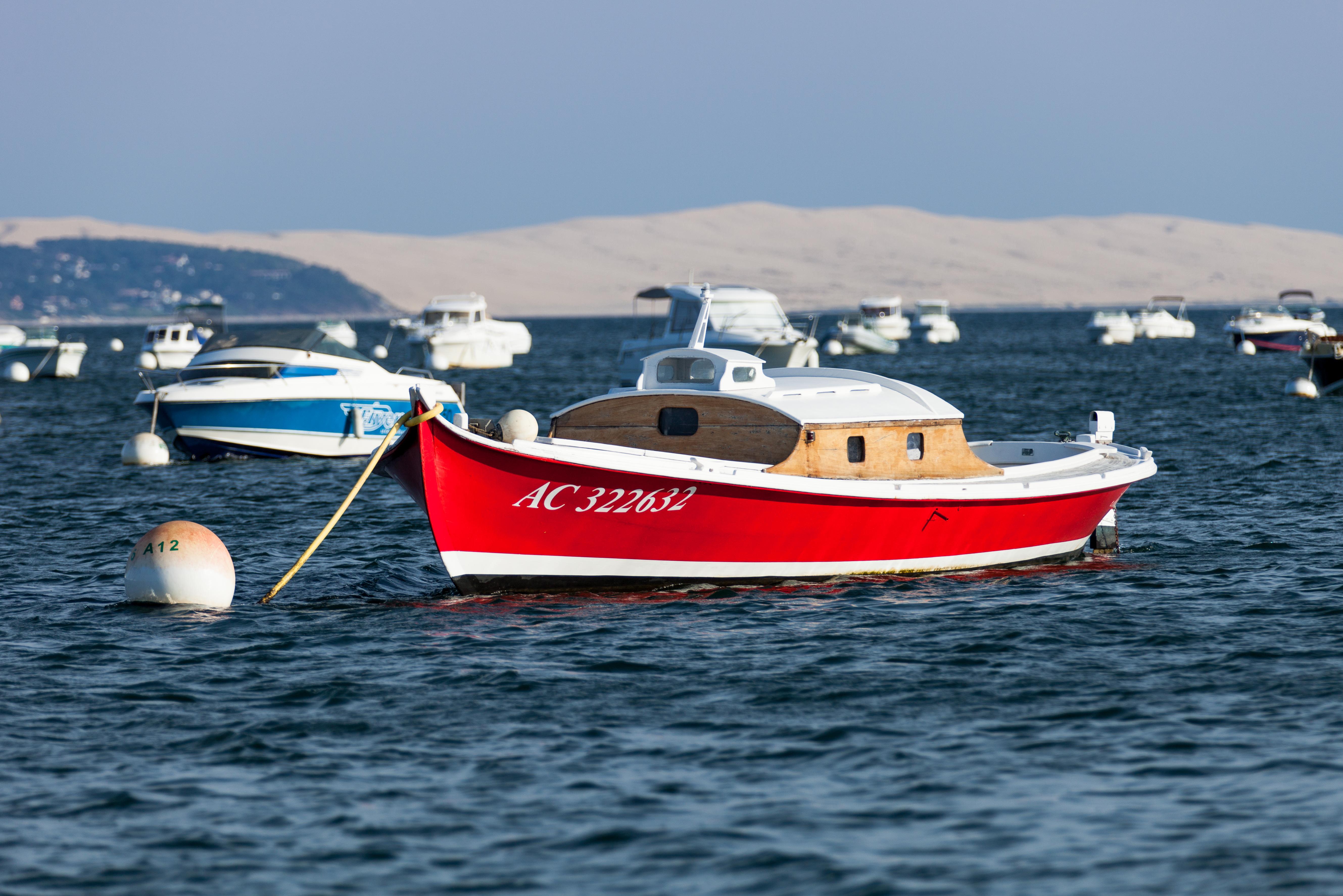 file bateau sur le bassin d 39 arcachon barco en la bah a de arcachon boat on the bay of. Black Bedroom Furniture Sets. Home Design Ideas