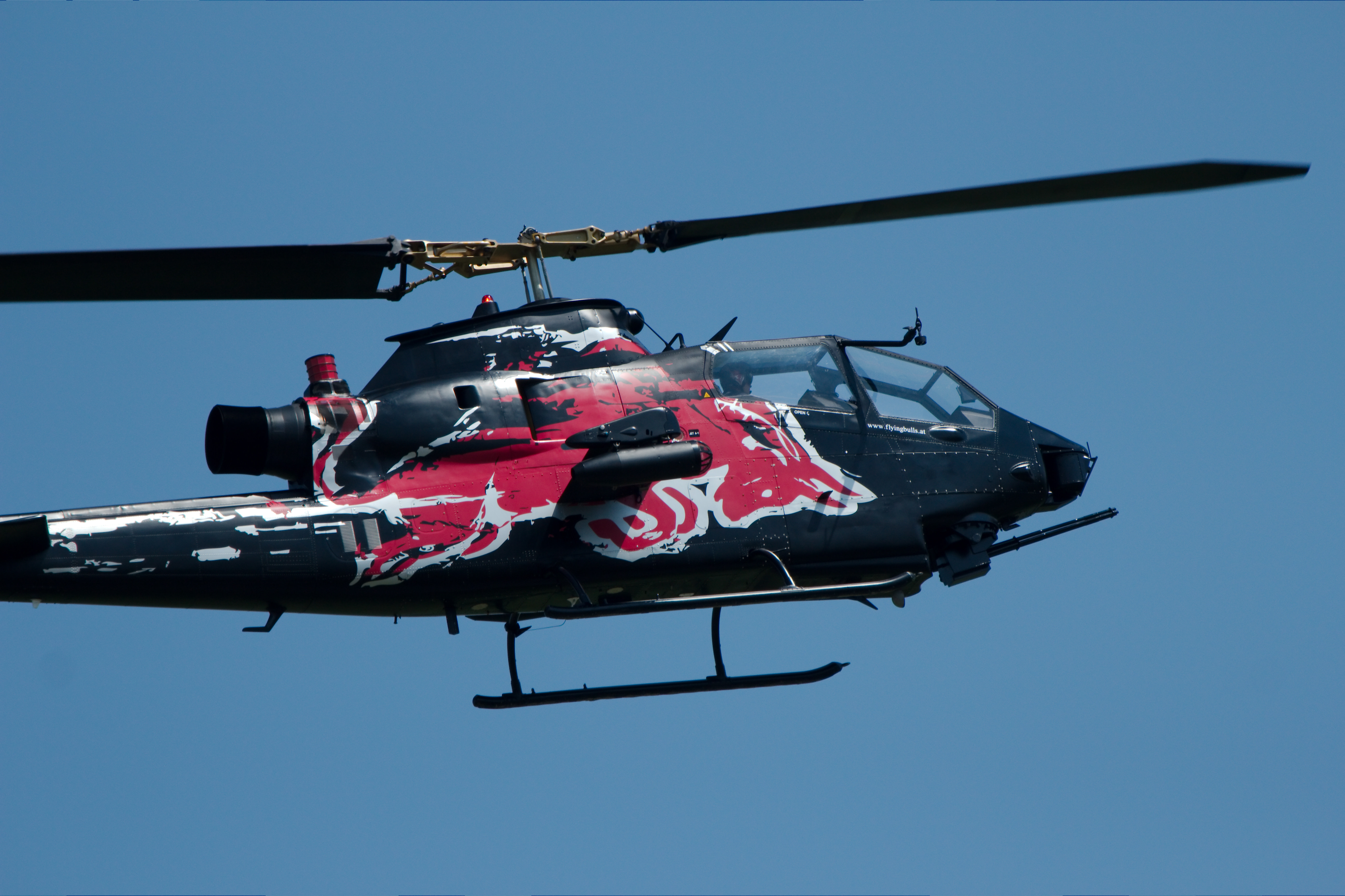 bell 427 helicopter with File Bell T Ah 1f Cobra Red Bull Airpower 2011 03 on alfahelicopter also File Professional Helicopter Services  VH NDV  Bell 206B 3 Jet Ranger III landing at Avalon Airport during the 2013 Australian International Airshow also File MI Helicopters  VH ONR  Bell 206L 3 LongRanger III arriving at Wagga Wagga Airport together with Gabon Deux Morts Dans Un Accident Dhelicoptere Dont Un Francais in addition 1001.