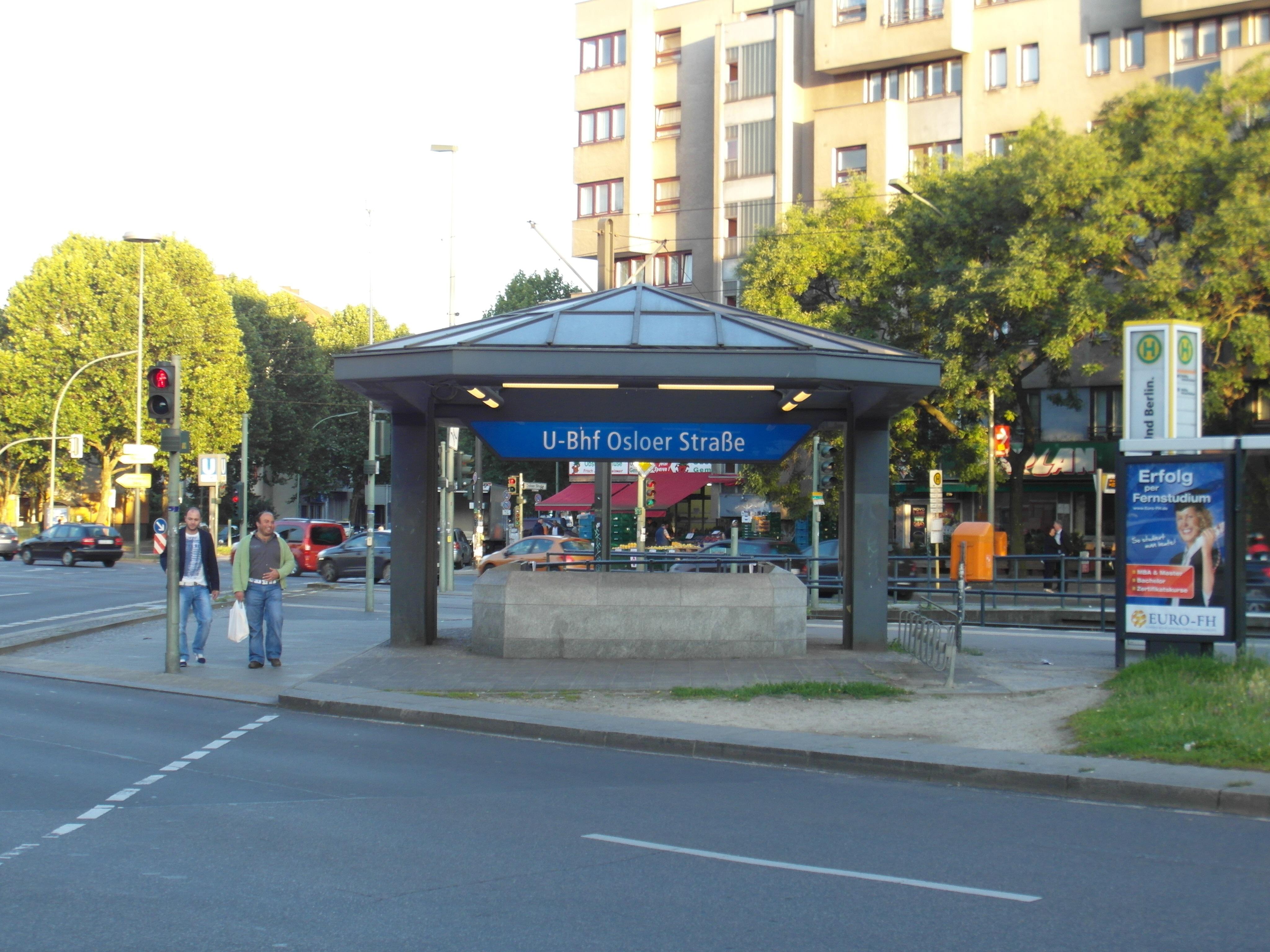 File:Berlin - U-Bahnhof Osloer Straße - Linien U8, U9 ...