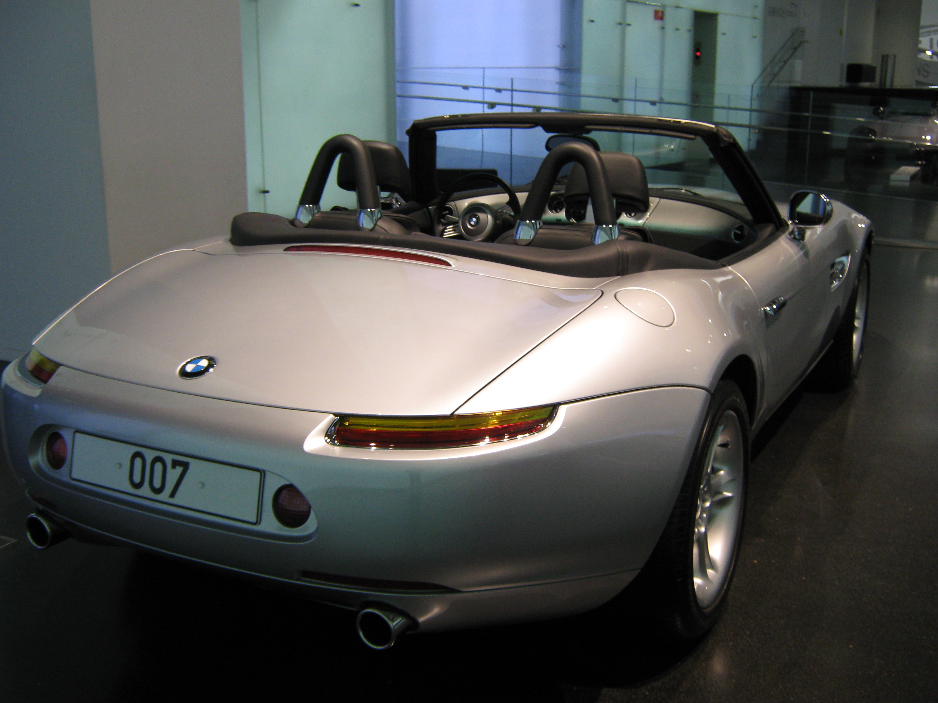 Bmw Z3 James Bond File Bond Bmw Z3 Jpg Wikimedia Commons