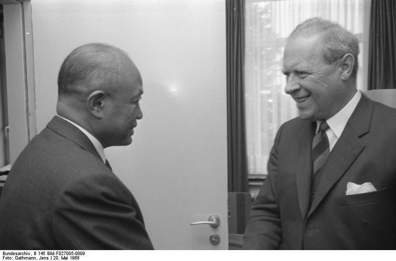 Fichier:Bundesarchiv B 145 Bild-F027005-0009, Bonn, AA, Generalstabschef von Madagaskar.jpg