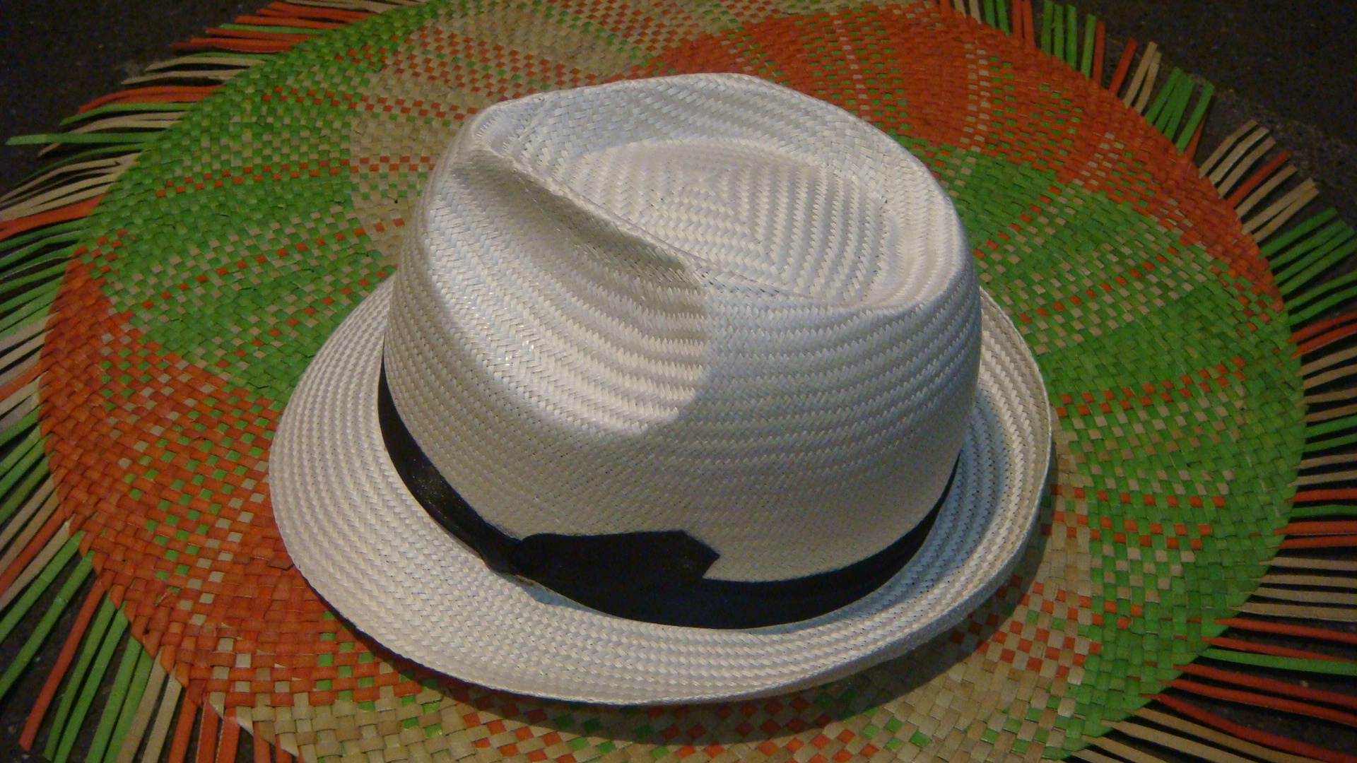 Artist Deigned And Signed Finest Weave  Straw Hat