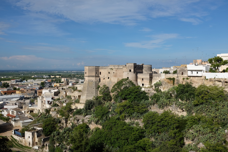 File Castle Of Gravina In Puglia Jpg Wikimedia Commons