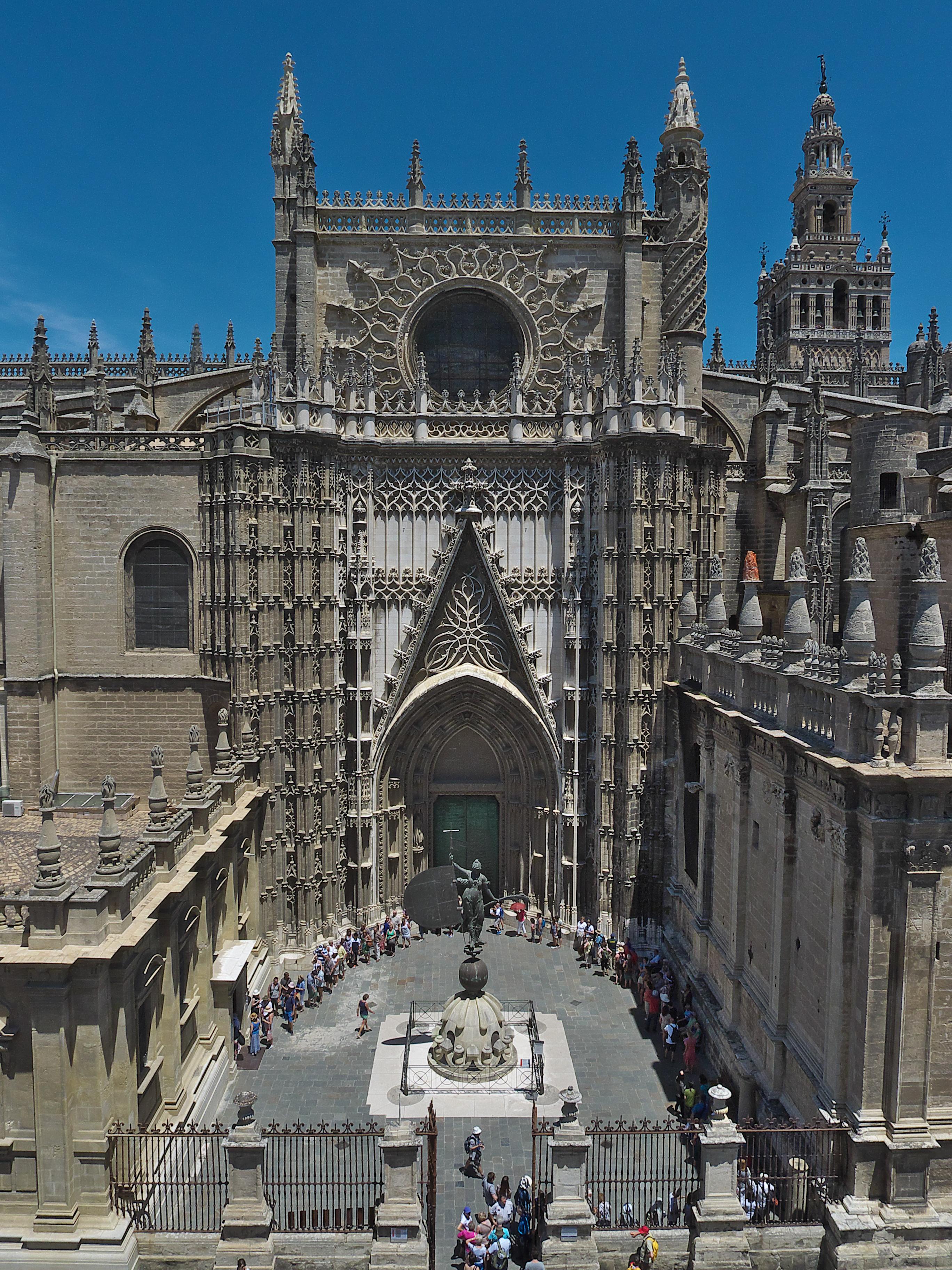 Resultado de imagen de Puertas de la Catedral de Sevilla