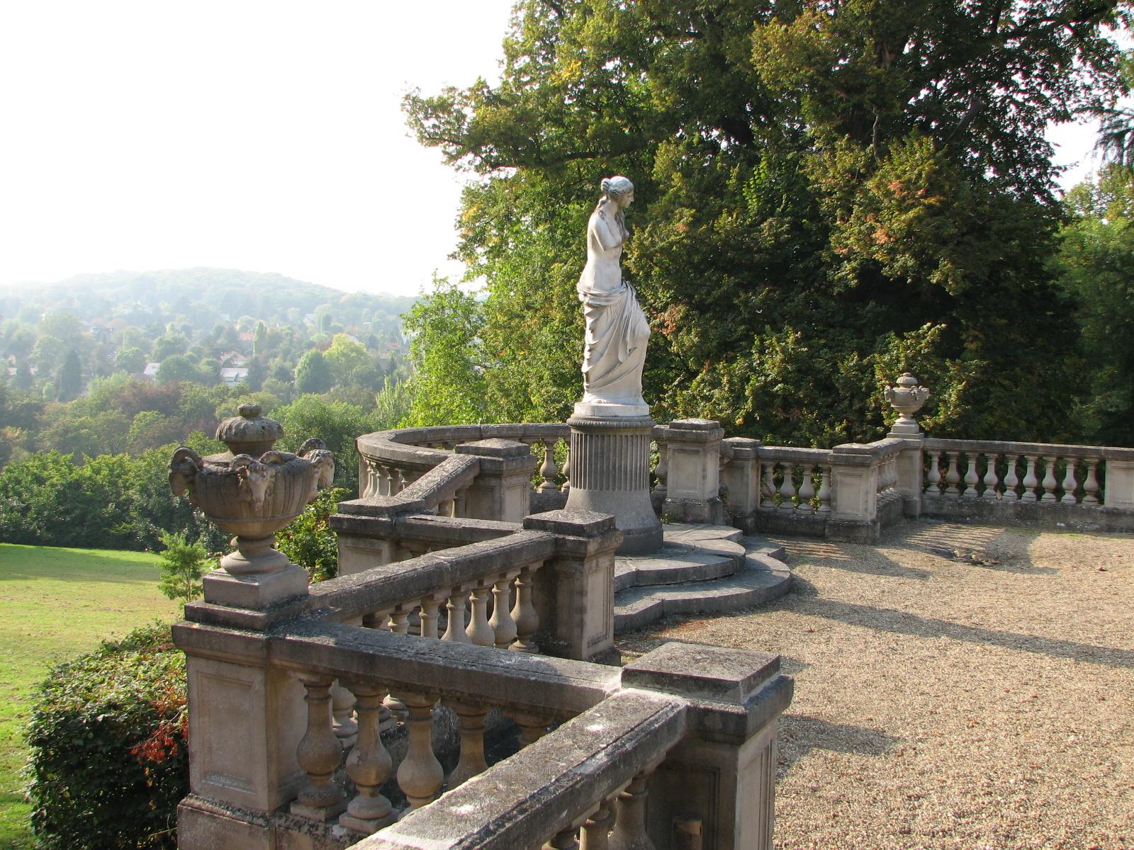 file chateau de la celle saint cloud statue wikimedia commons. Black Bedroom Furniture Sets. Home Design Ideas