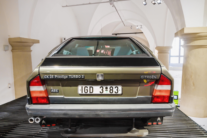 file citroen cx 25 prestige turbo 2 genutzt von erich honecker verkehrsmuseum dresden 9 jpg. Black Bedroom Furniture Sets. Home Design Ideas