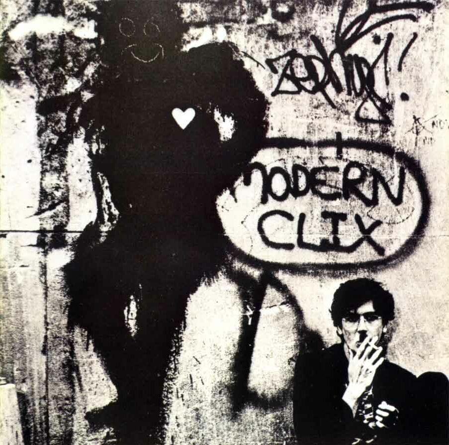 Realizó la gira del emblemático álbum Clics modernos de Charly García y grabó teclados y coros en el álbum Piano Bar