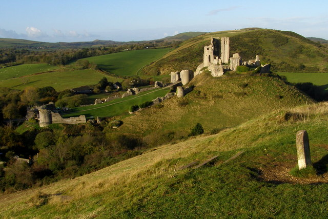 Corfe Castle from East Hill - geograph.org.uk - 1025756
