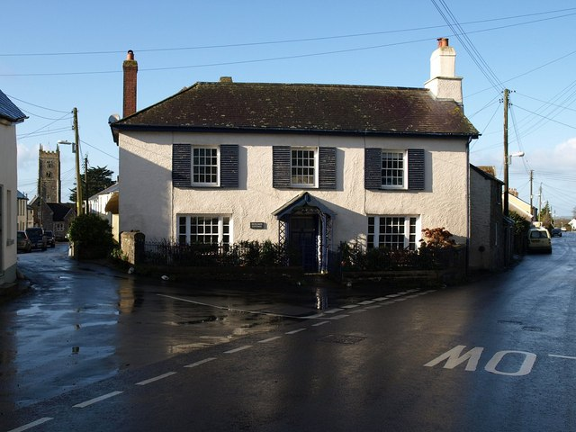 File:Cottage, High Bickington - geograph.org.uk - 668065.jpg