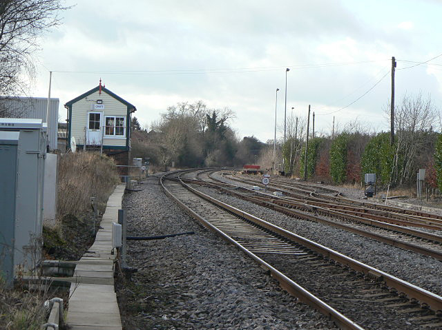 File:Croft Signal Box - geograph.org.uk - 1136327.jpg