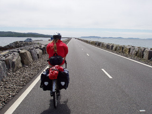 Cycle touring over the Eriskay - South Uist causeway - geograph.org.uk - 49005.jpg English: Cycle touring over the Eriskay - South Uist causeway