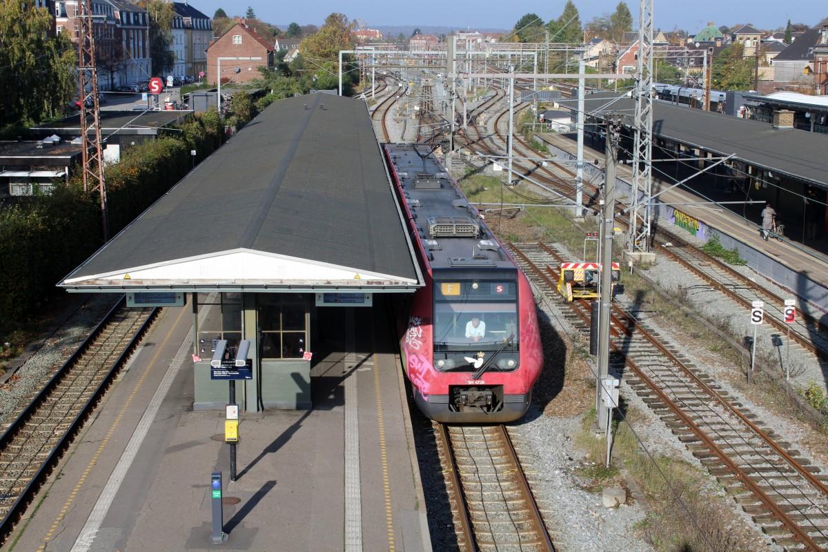 File:Dsb-s-bahn-kopenhagen-linie-f-826120.jpg - Wikimedia Commons