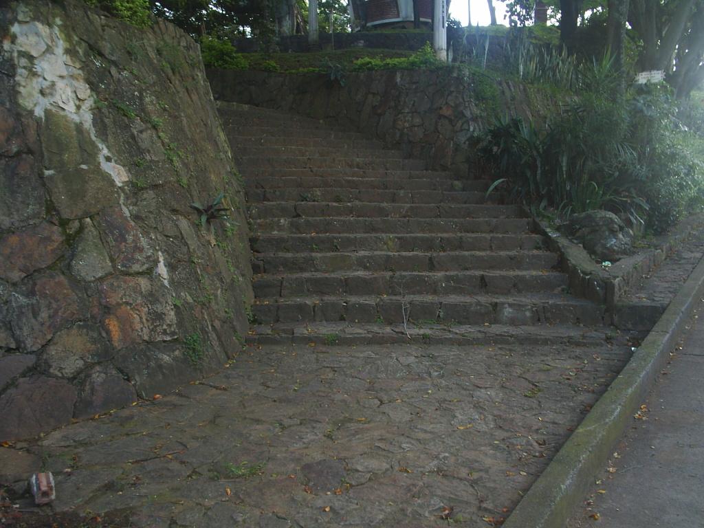 File escaleras de piedra jpg wikimedia commons - Escaleras de piedra ...