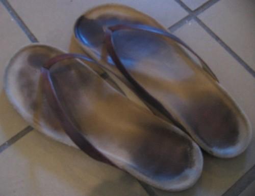 File:Flip-flops (worn).jpg - Wikimedia