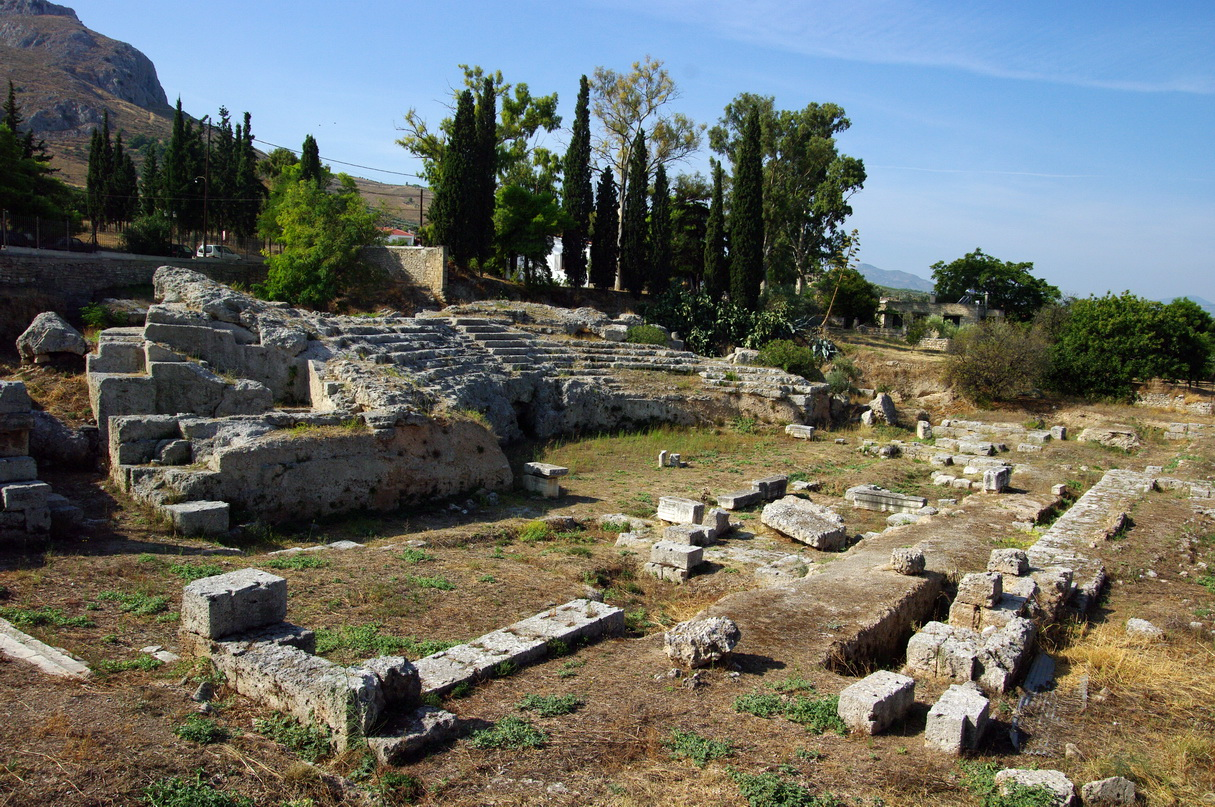 https://upload.wikimedia.org/wikipedia/commons/8/8e/GR-korinth-odeion.jpg