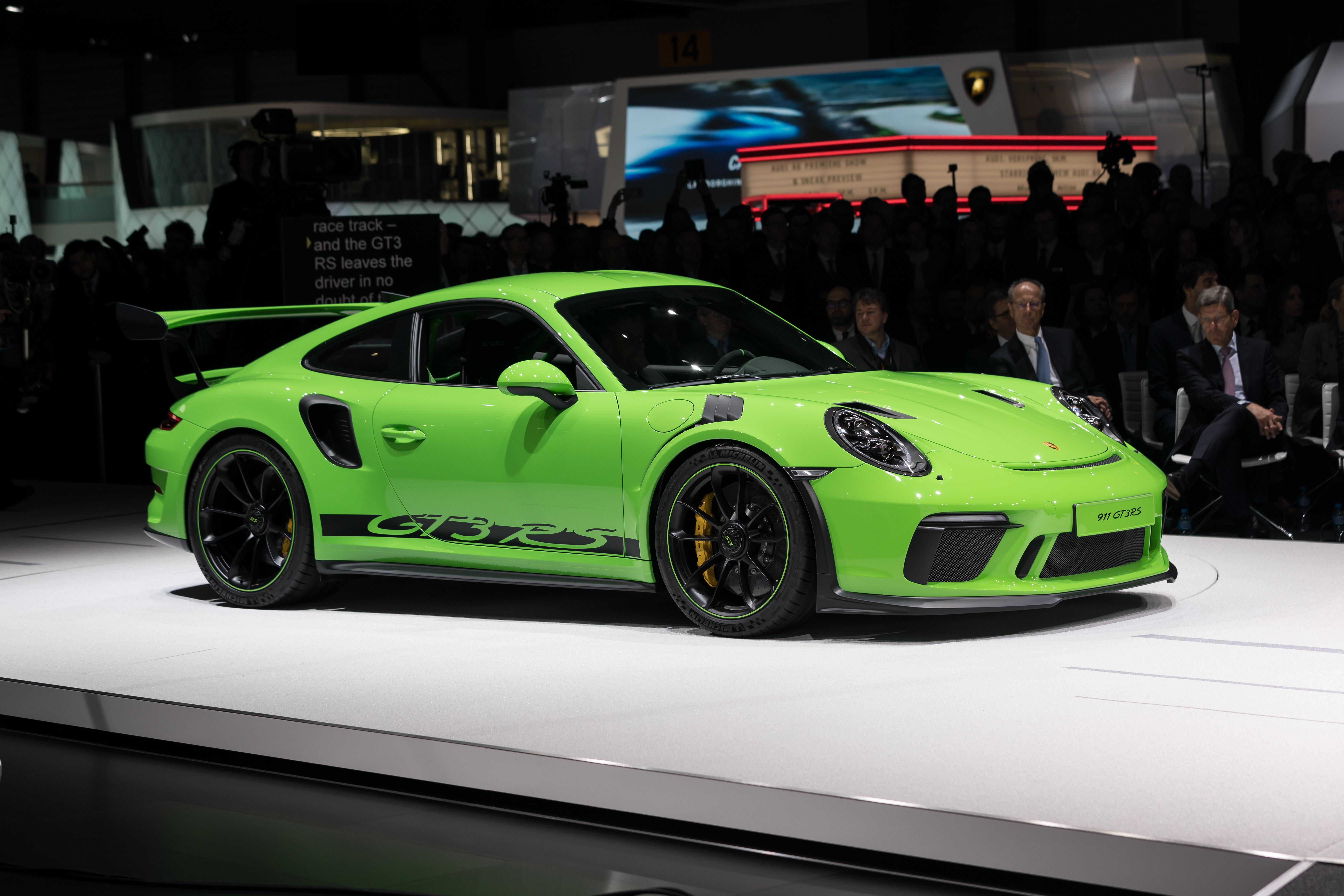 Porsche 911 gt3 rs top speed