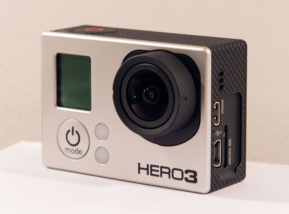 https://upload.wikimedia.org/wikipedia/commons/8/8e/GoProHero3BlackEdition.jpg