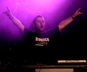 Groove Stage live2.jpg