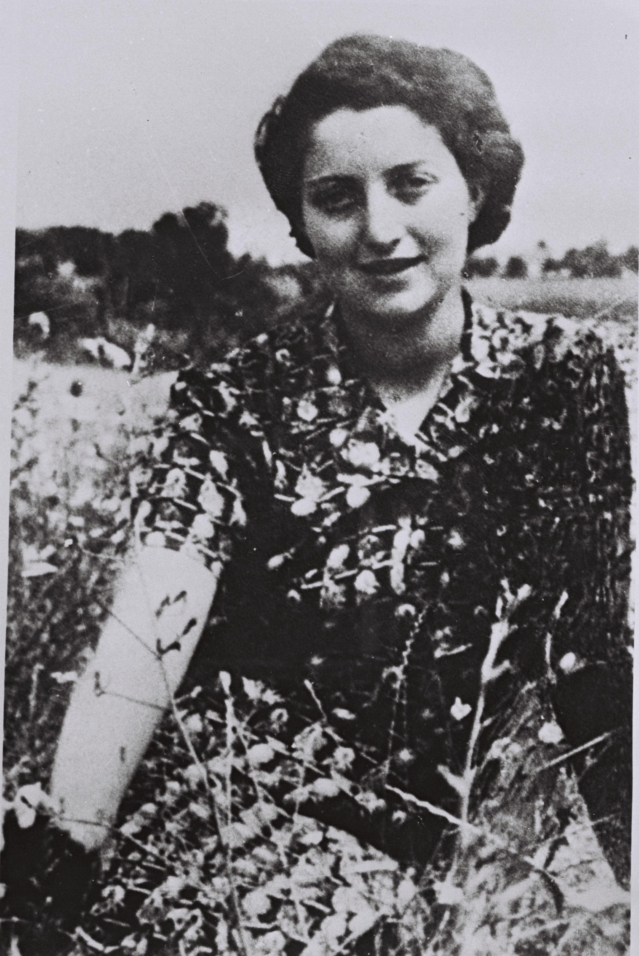 חנה סנש