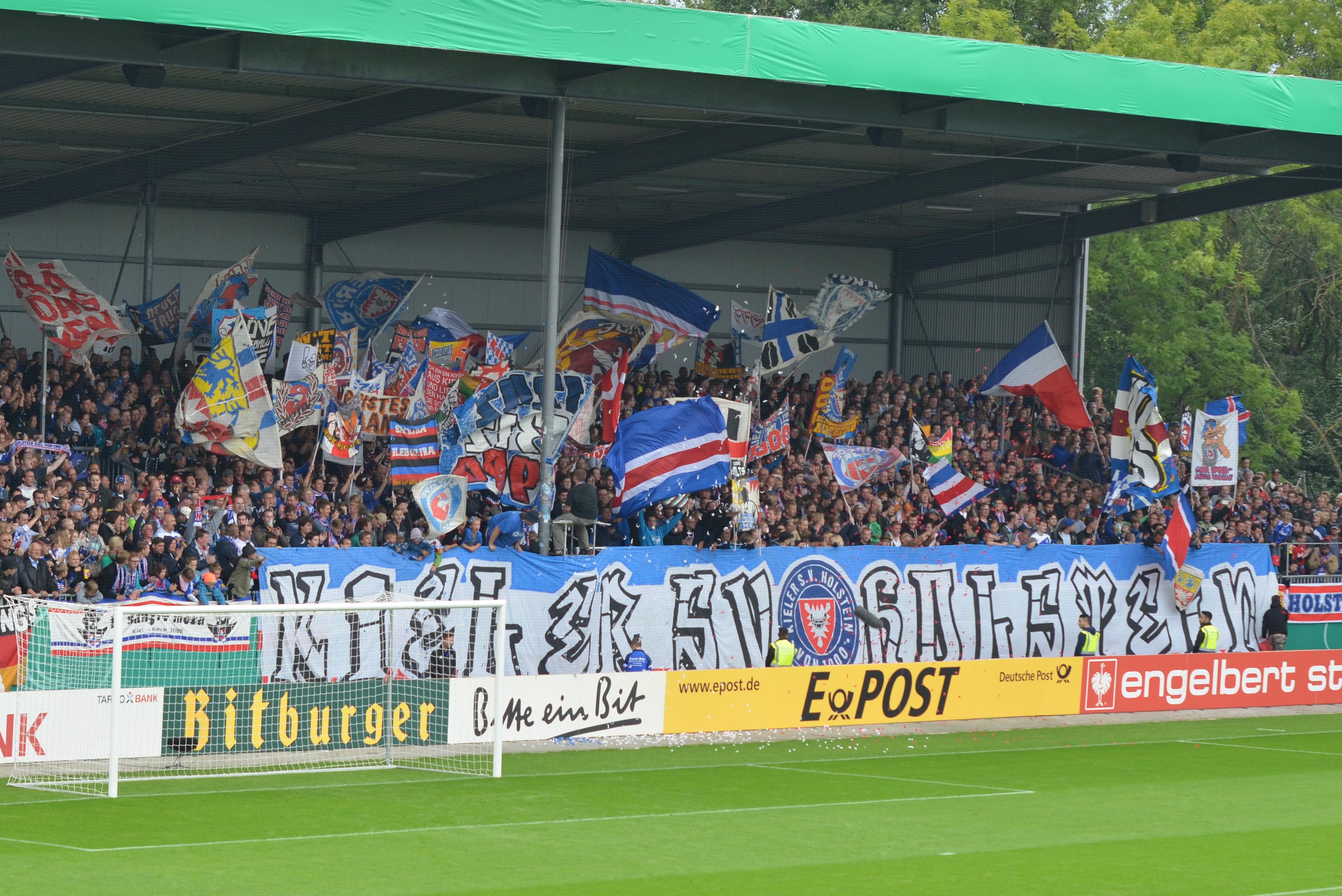 File Holstein Stadion Westribune Jpg Wikimedia Commons