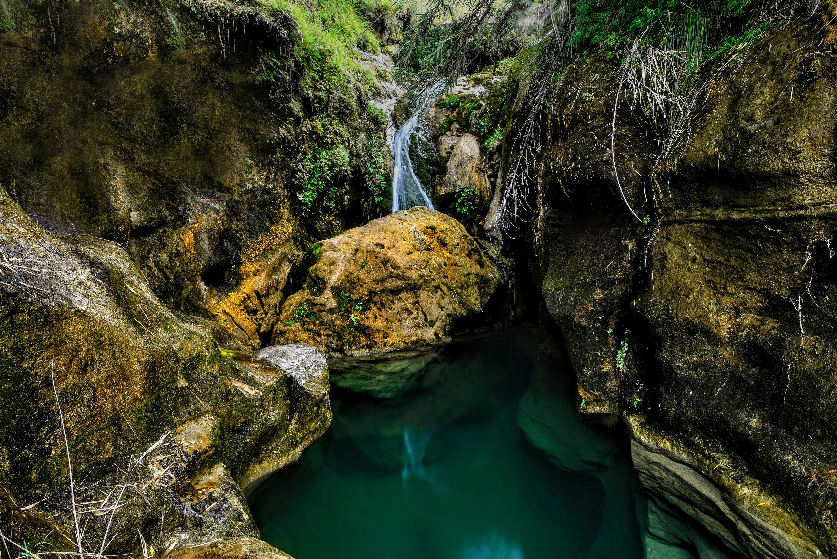 File:Kanhati waterfall, located in Khushab district of Punjab