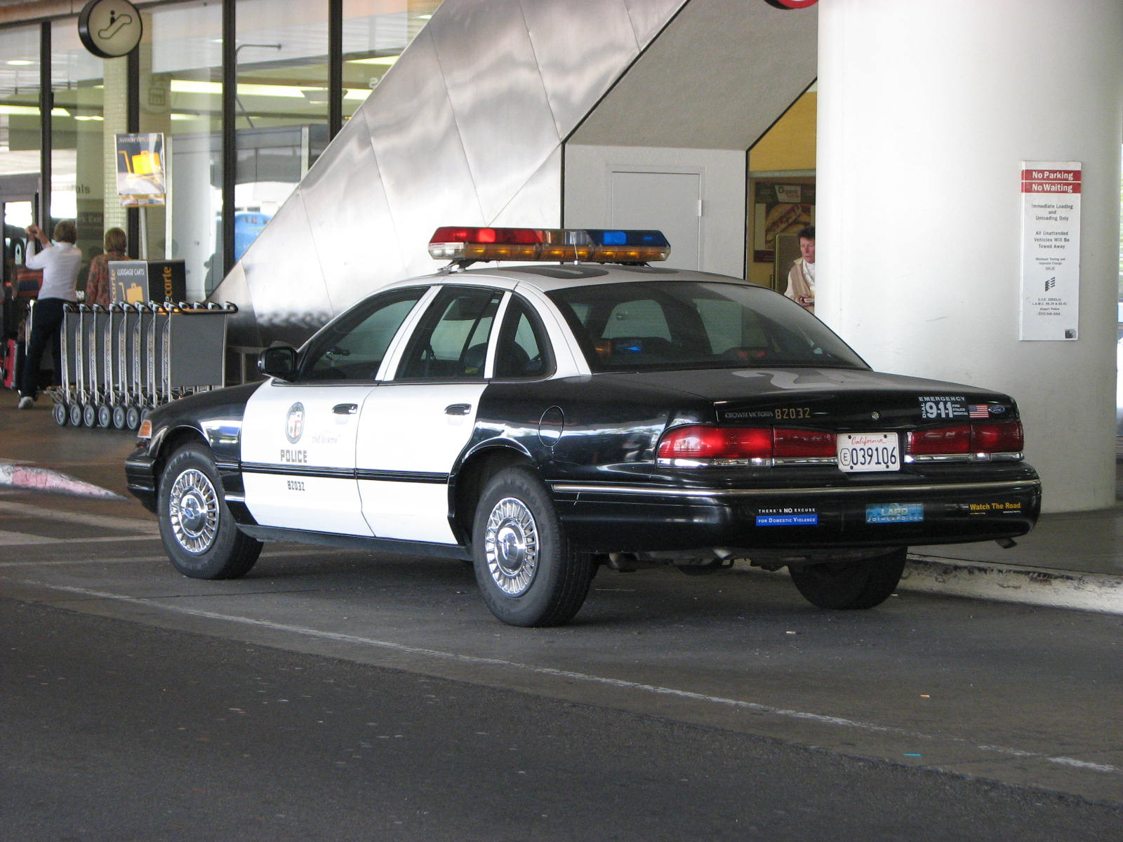 File Lapd Ford Crown Victoria Outside Lax Flickr Highway Patrol