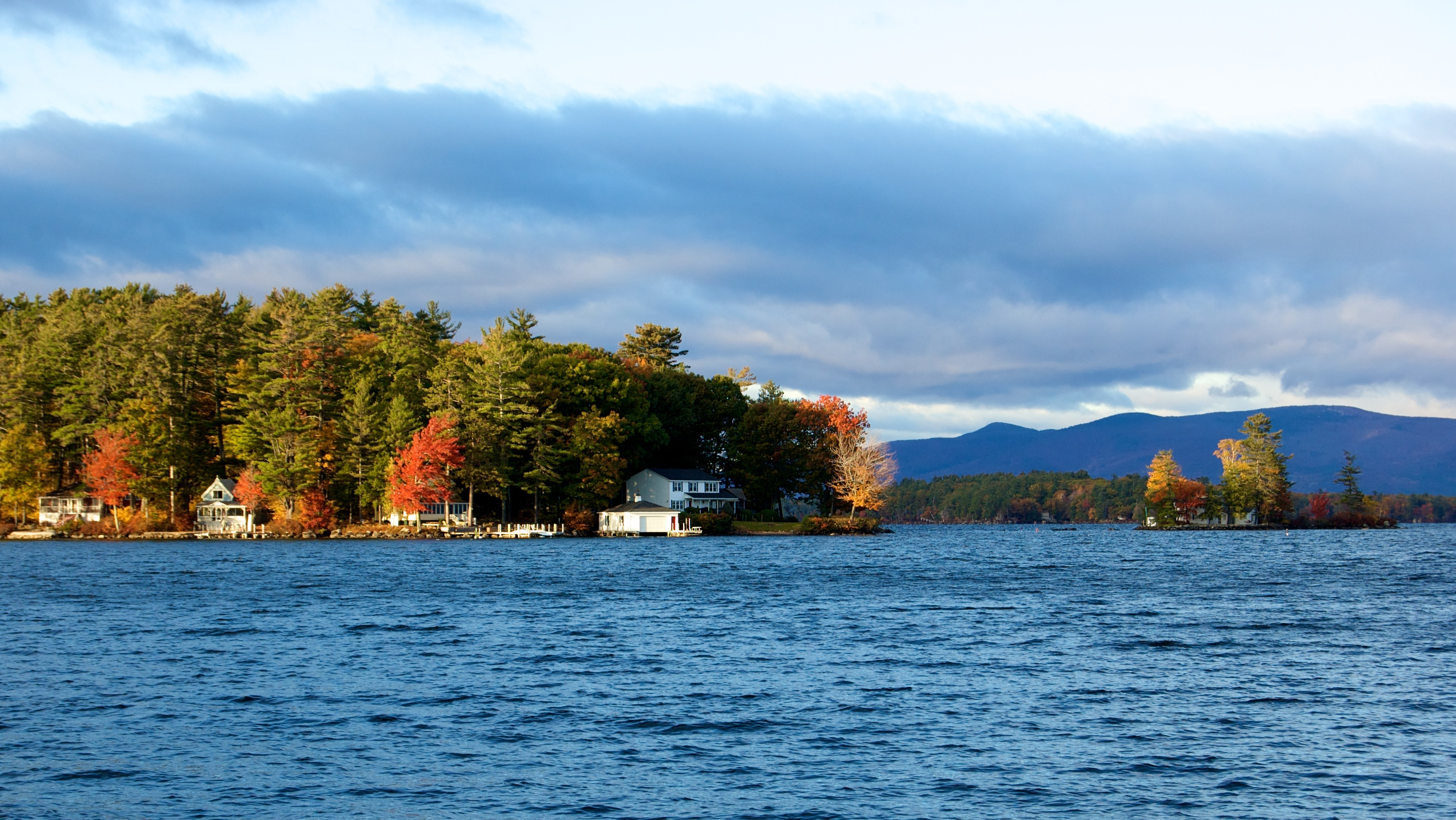 Homes on Lake Winnipesaukee