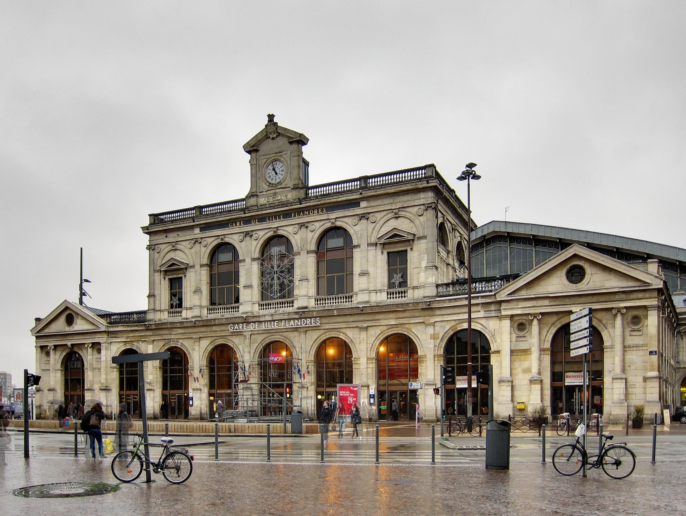Gare de lille flandres wikiwand for Au dela du miroir lille