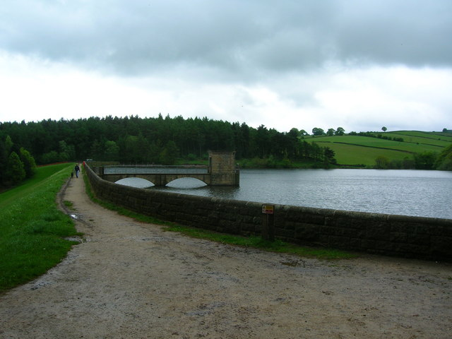 Linacre Upper Reservoir and dam - geograph.org.uk - 172580