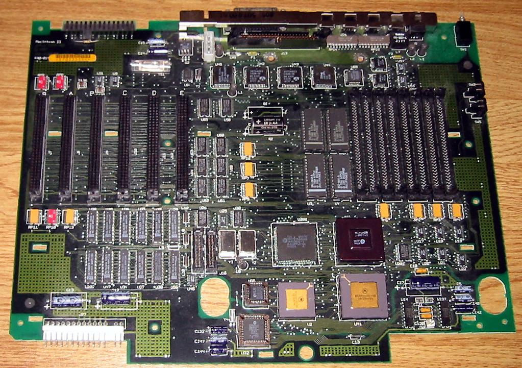 Macintosh_II_motherboard.jpg