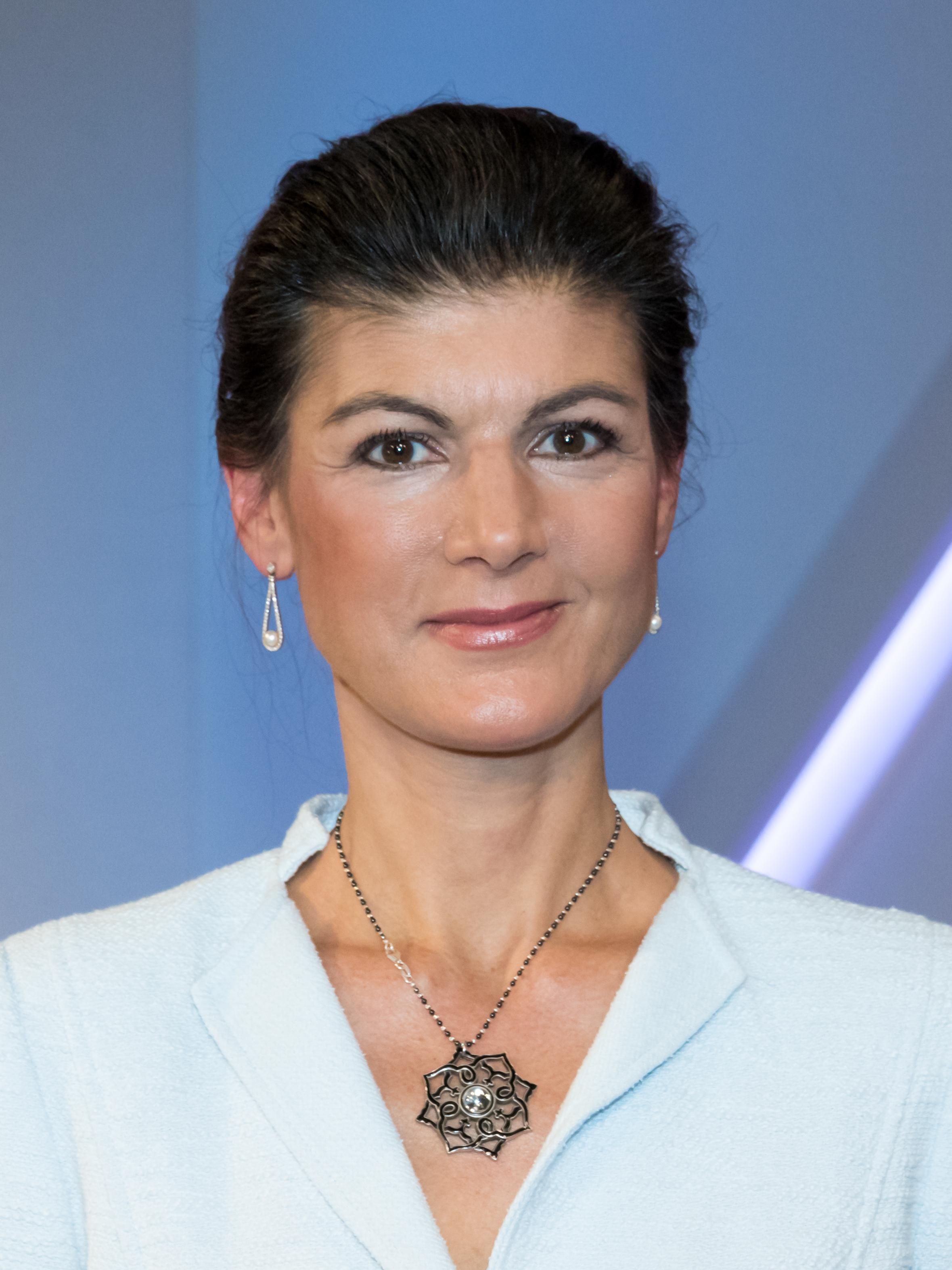 Haaren offenen wagenknecht sahra mit Sahra Wagenknecht
