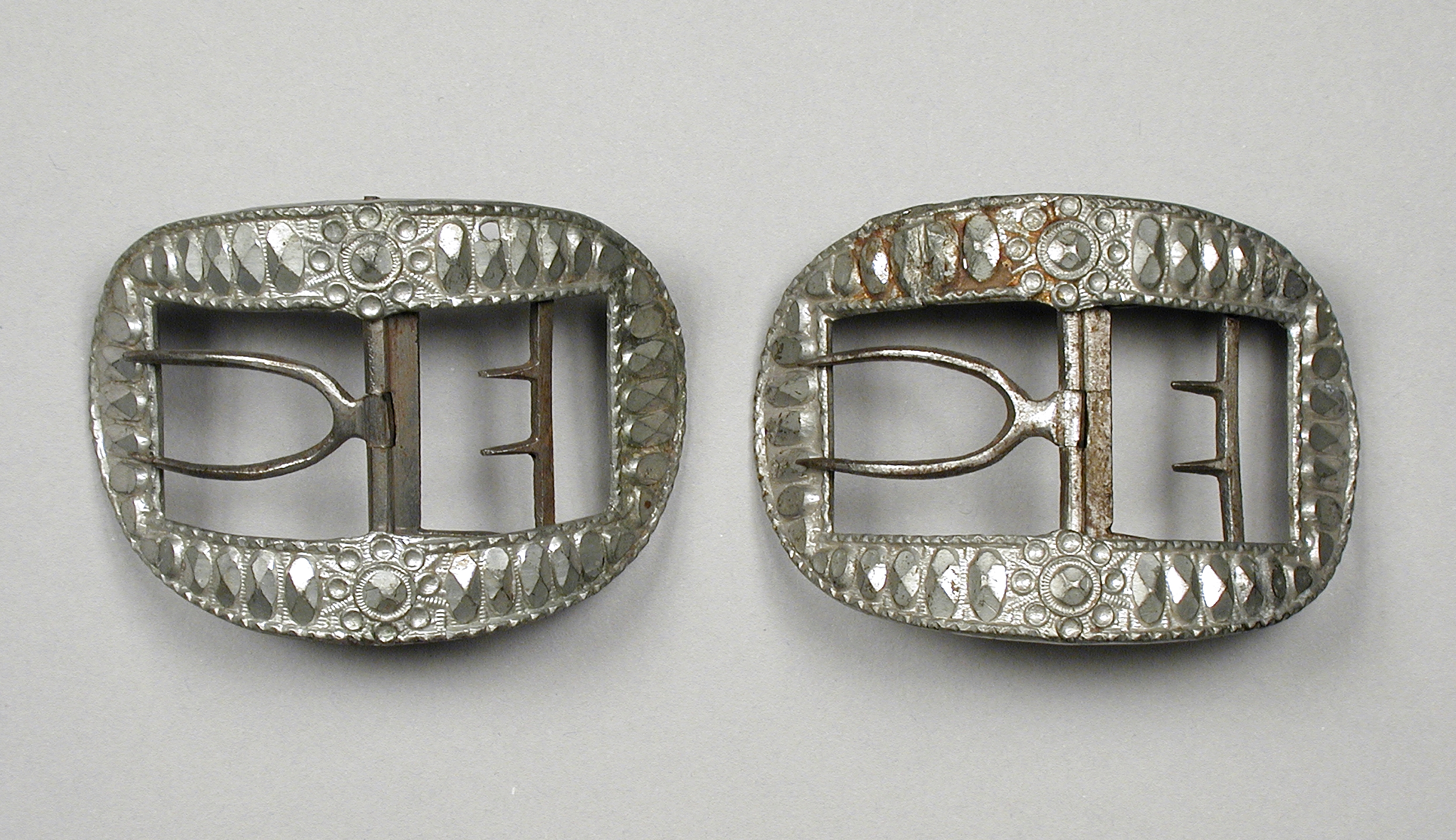dating shoe buckles Dating buckles, dating old buckles, harness buckles, how to date old buckles, roman buckles, what is the dating policy for buckle, wwwreenactorrul/arh/pdf.