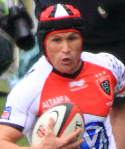 The 35-year old son of father Ron Giteau and mother(?) Matt Giteau in 2018 photo. Matt Giteau earned a  million dollar salary - leaving the net worth at 1 million in 2018