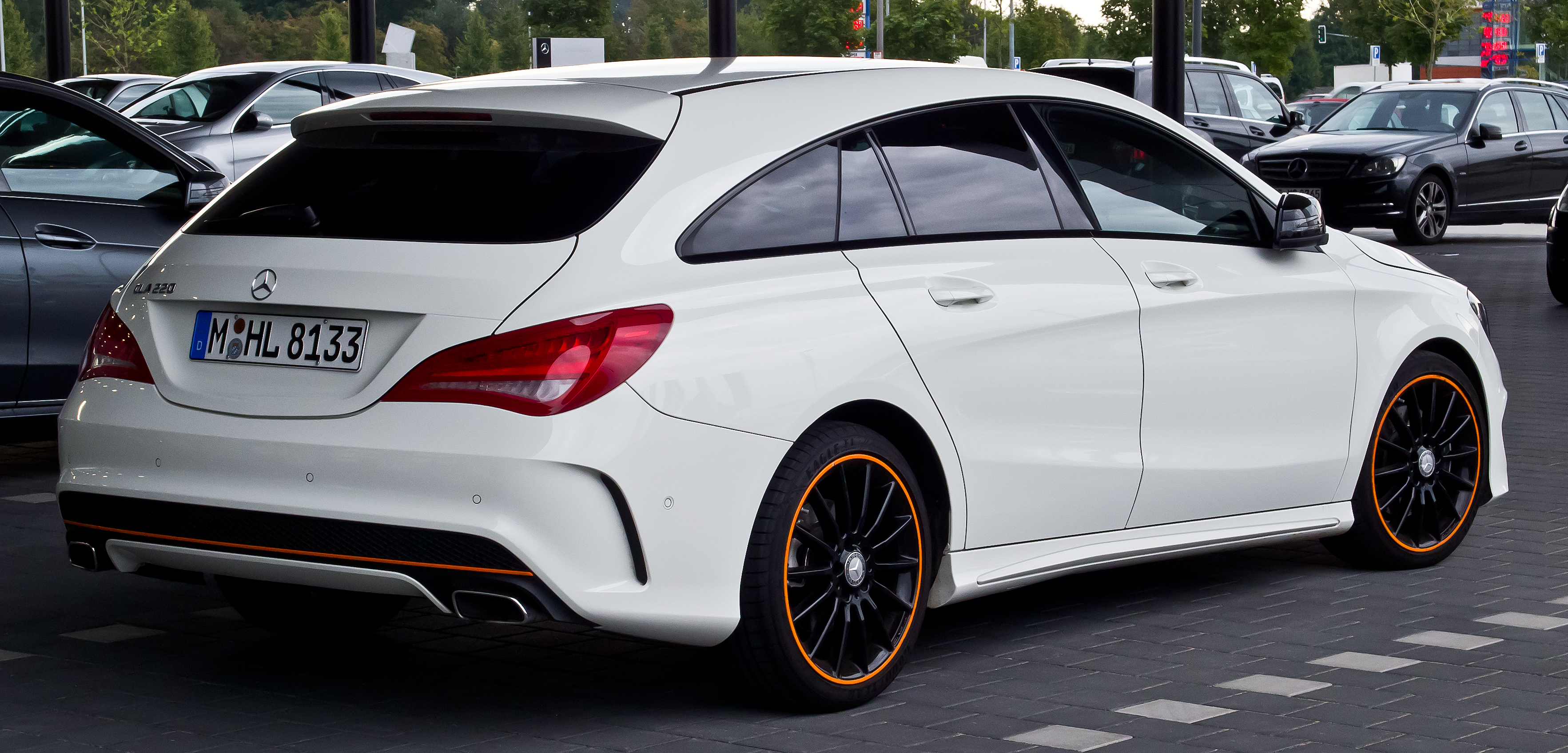 file mercedes benz cla 220 d shooting brake orangeart. Black Bedroom Furniture Sets. Home Design Ideas