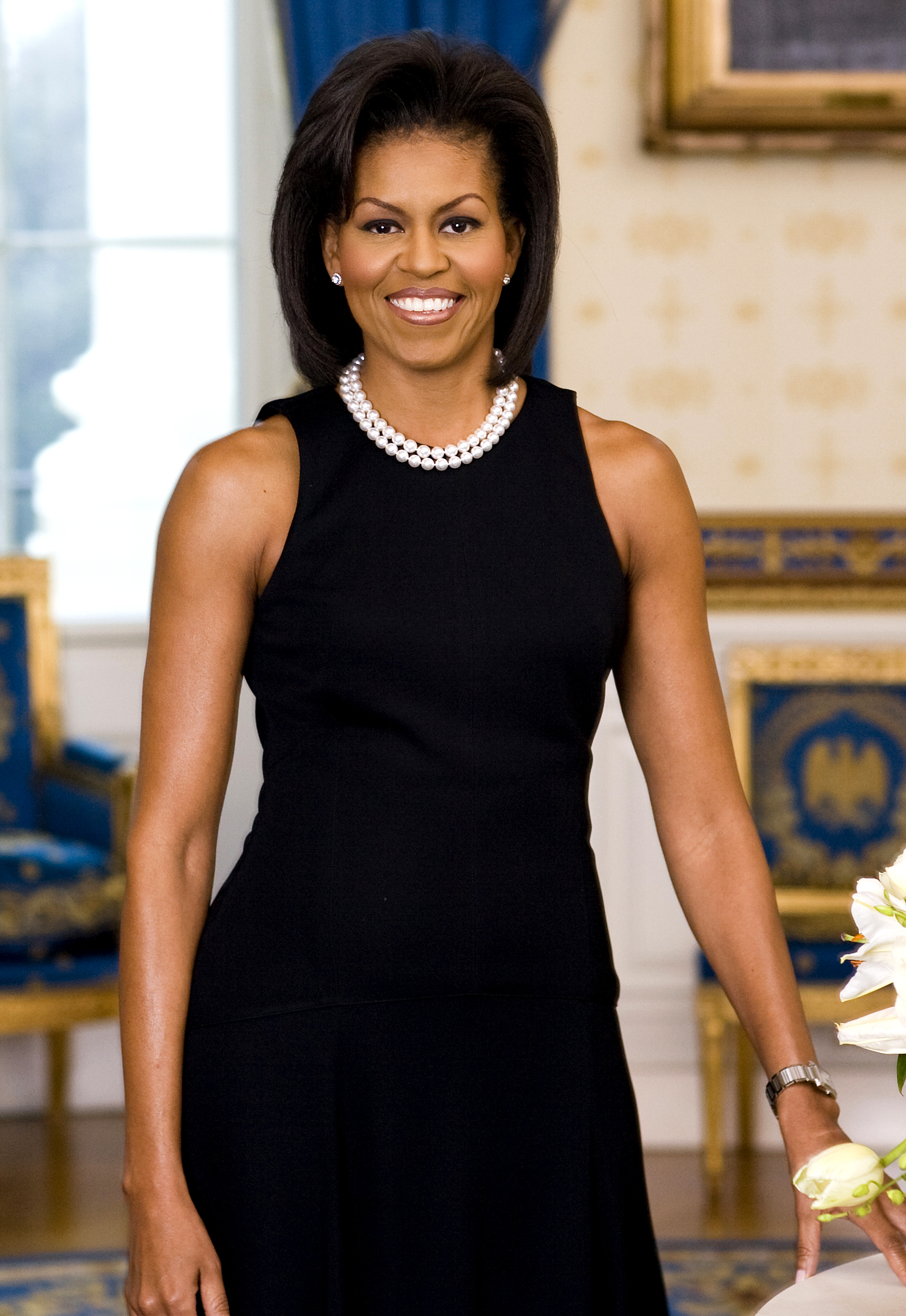 File:Michelle Obama official portrait crop.jpg - Wikimedia Commons