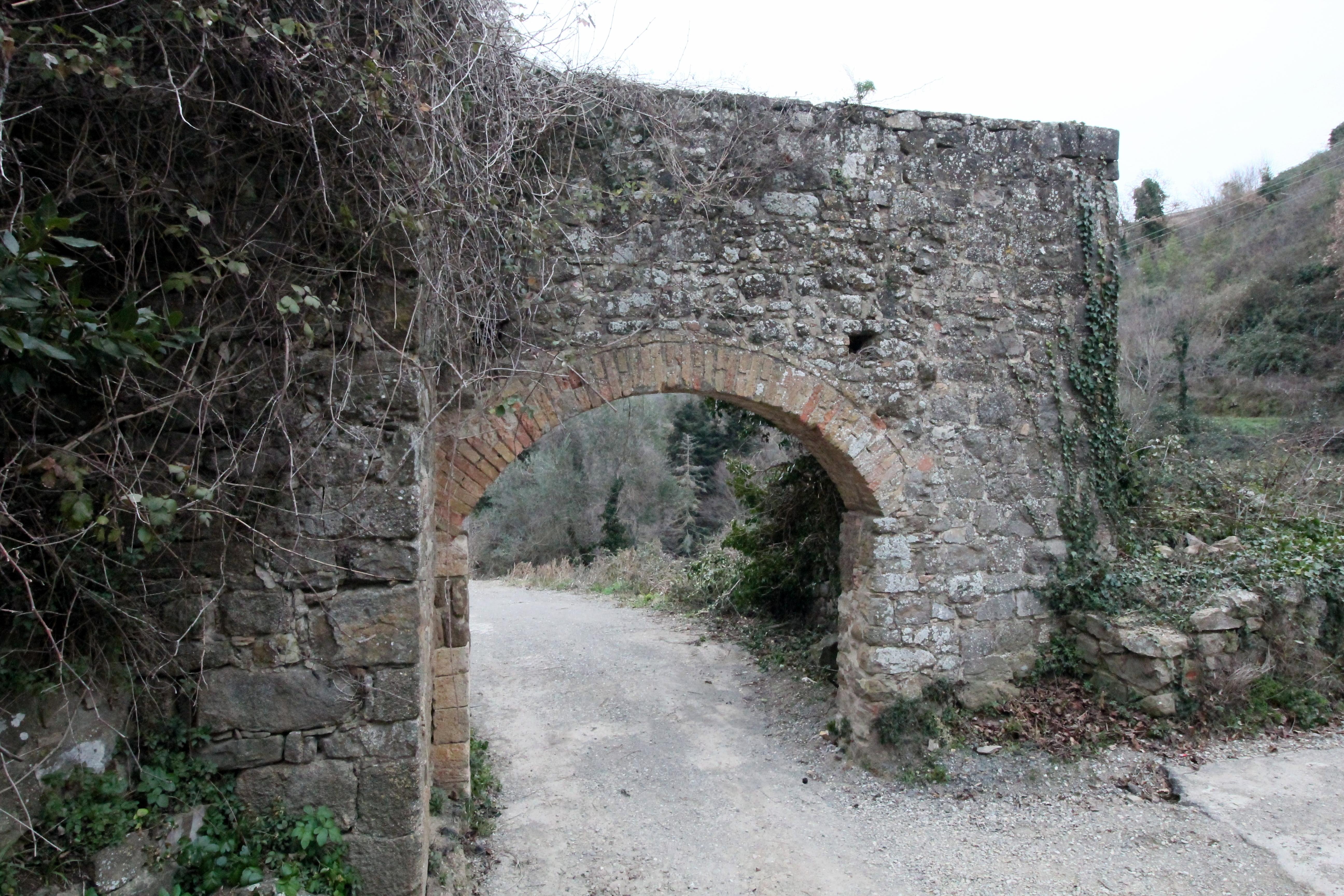 MontalcinoPortaCastellana2.jpg