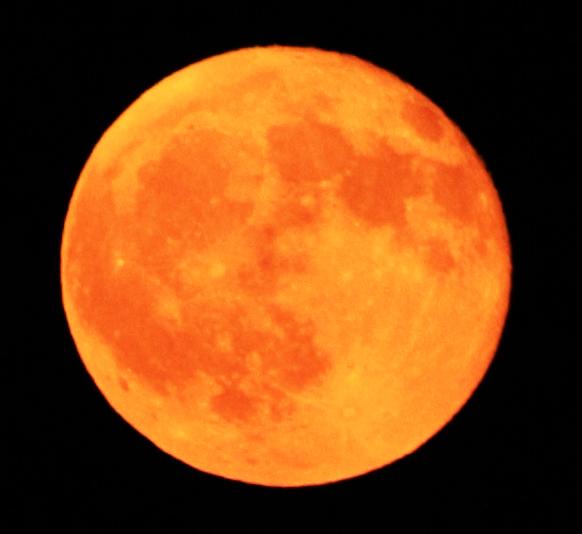 File:Moon Rise.jpg