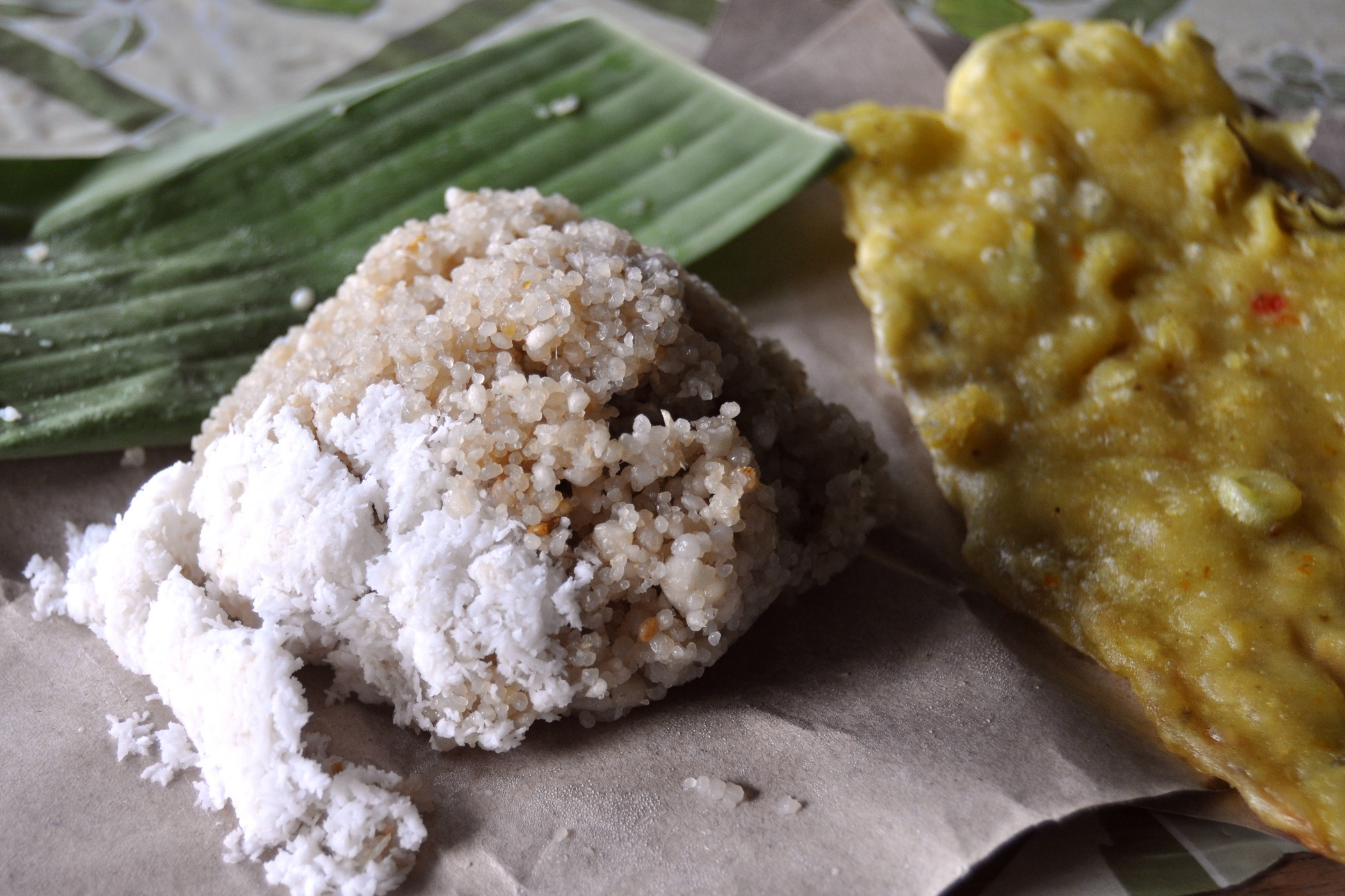 Berkas:Nasi oyek 141229-47885 rwg.JPG - Wikipedia bahasa Indonesia,  ensiklopedia bebas