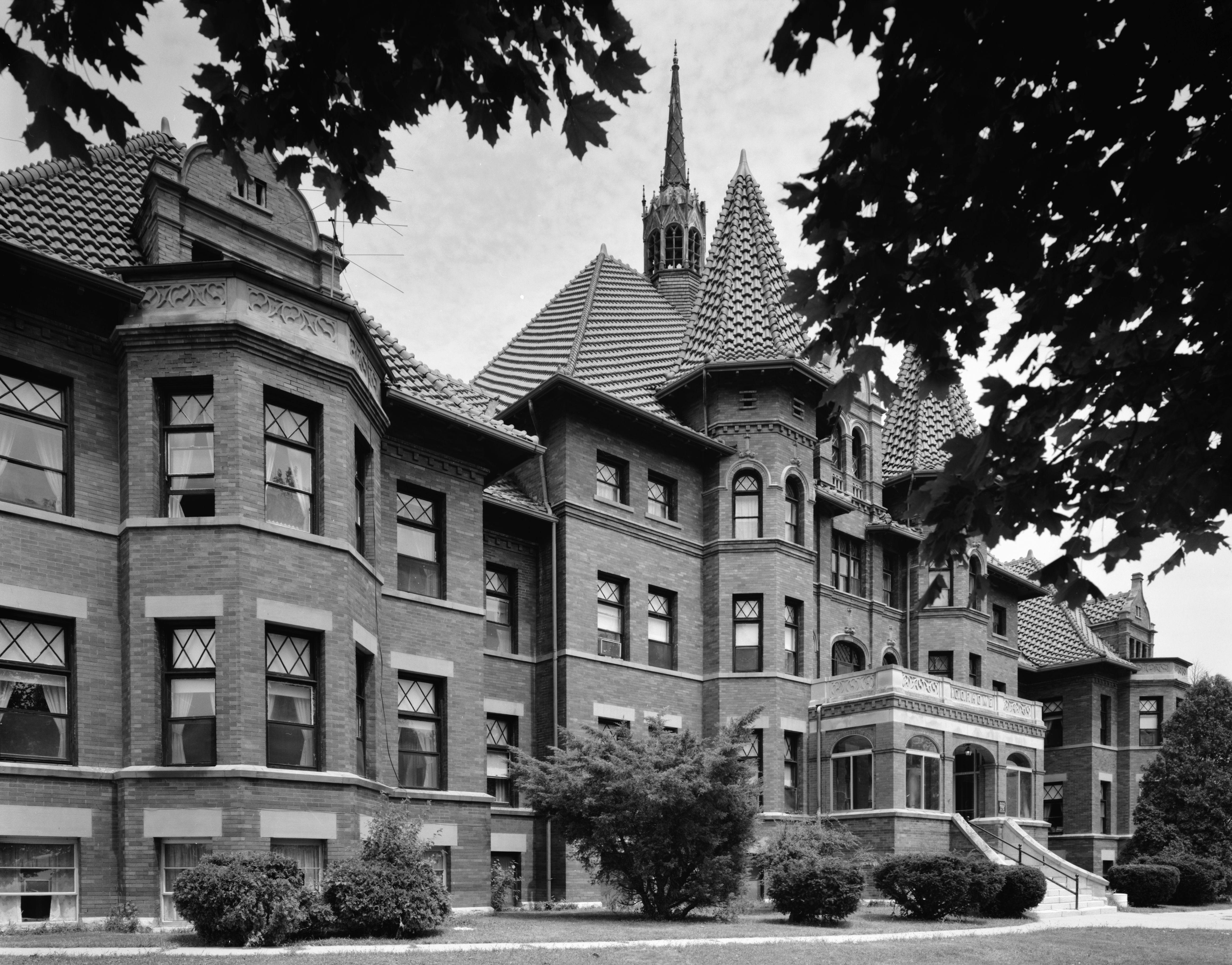 File:Odd Fellows Home (Springfield, Ohio).jpg - Wikimedia ...