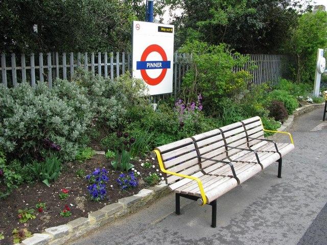 Pinner station 2 - geograph.org.uk - 945383