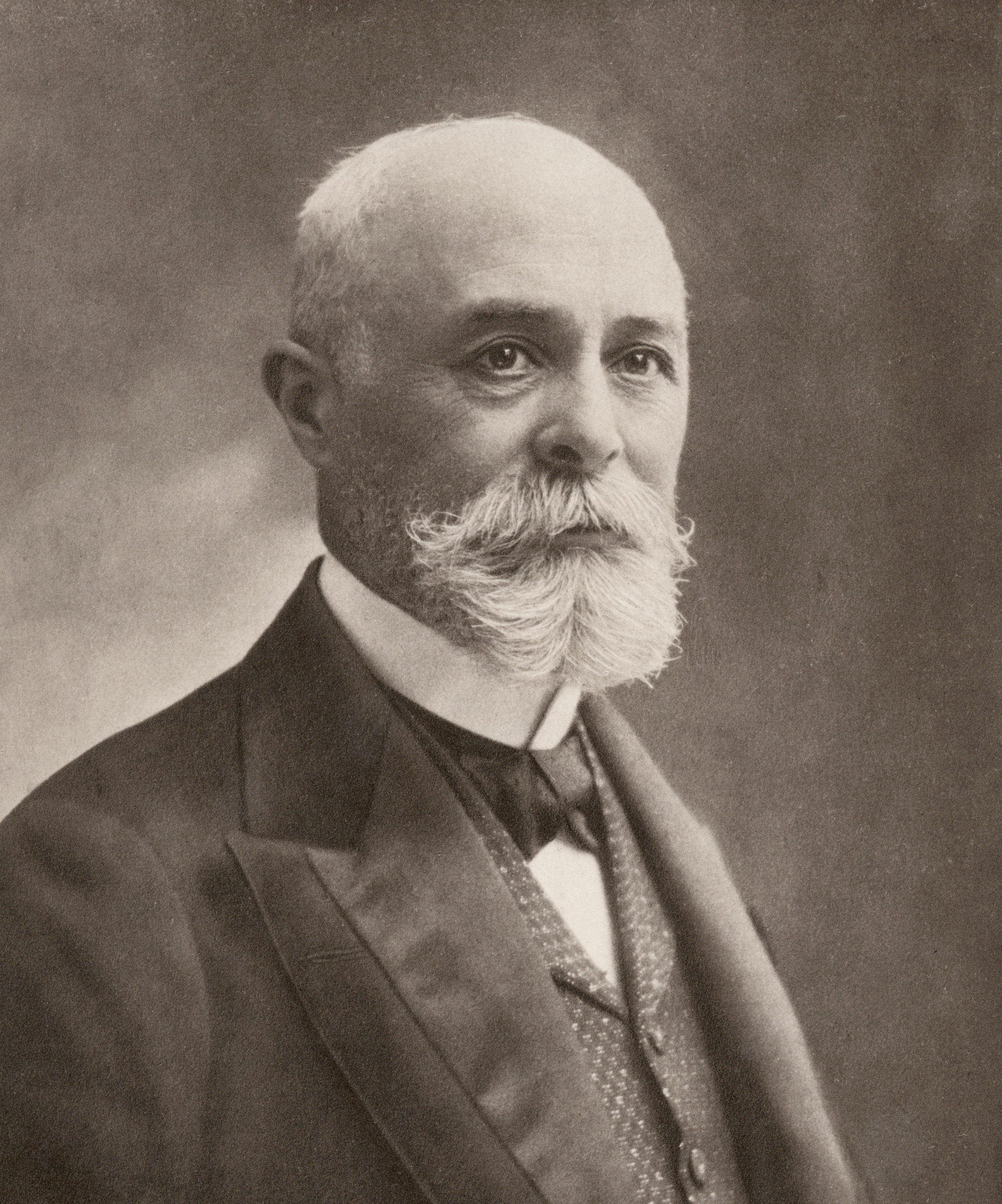 Image of Henri Becquerel from Wikidata