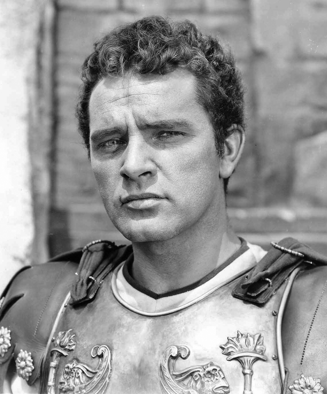 William Welsh (actor) Richard Burton The Robe jpg