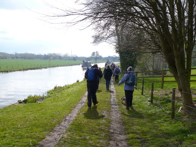 Ripon Canal towpath south of Littlethorpe - geograph.org.uk - 781715