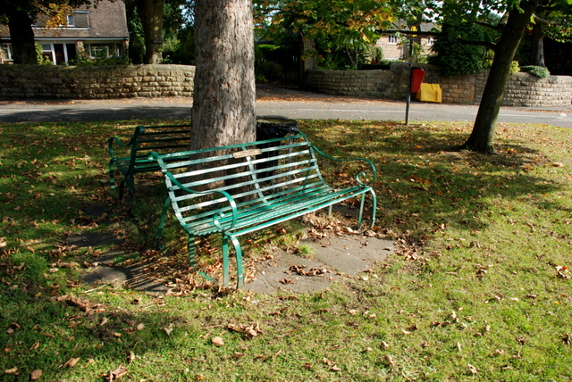 Seat on The Green at Baslow - geograph.org.uk - 579093