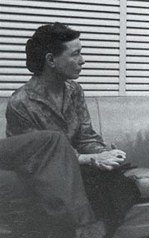 Simone Beauvoir in 1960.jpg